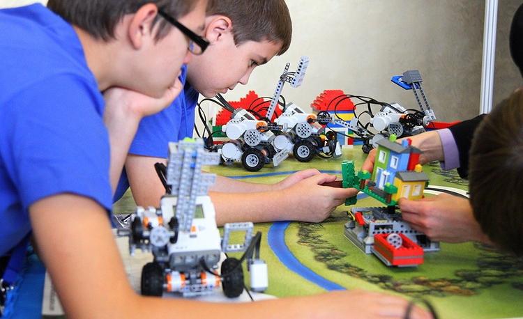 Стартовала запись на курсы по робототехнике для детей 6-8 лет!